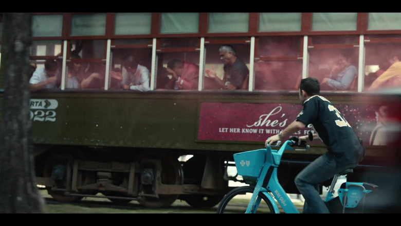 Bluebikes Bicycle Used by Joseph Gordon-Levitt in Project Power (3)