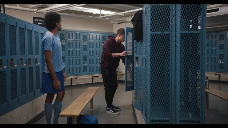 Brandon Butler as Brady Finch Wears Adidas Sneakers in Trinkets S02E09 Netflix TV Show (1)