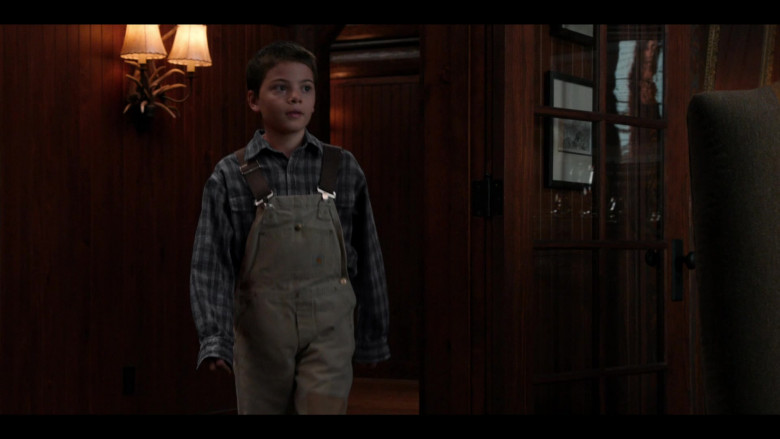 Brecken Merrill as Tate Wears Carhartt Overalls Outfit in Yellowstone S03E09 TV Show (1)