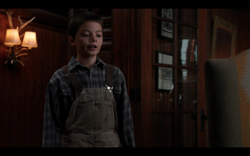 Brecken Merrill as Tate Wears Carhartt Overalls Outfit in Yellowstone S03E09 TV Show (2)