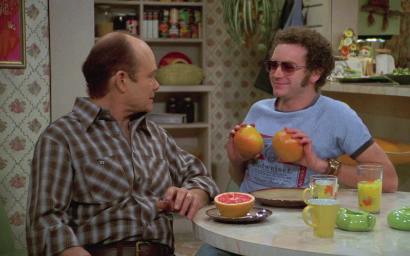 Budweiser Blue T-Shirt of Danny Masterson as Steven in That '70s Show S06E20