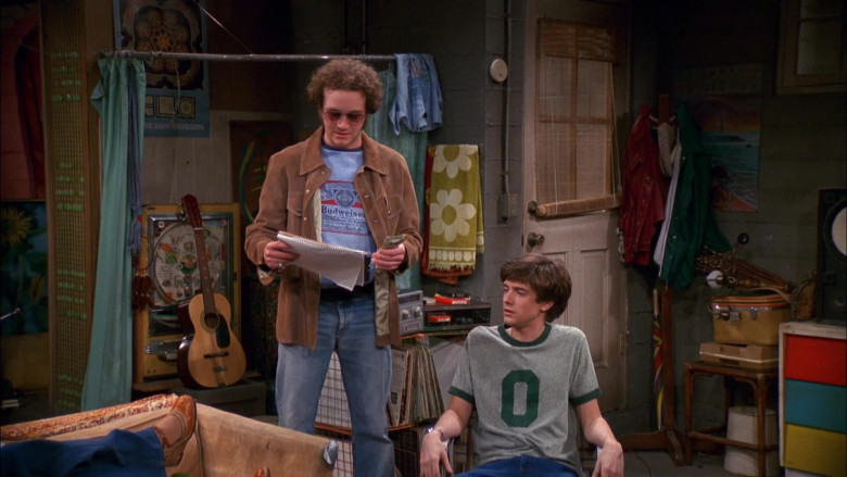 Budweiser T-Shirt and Brown Jacket Outfit of Danny Masterson as Steven in That '70s Show S03E21 (1)