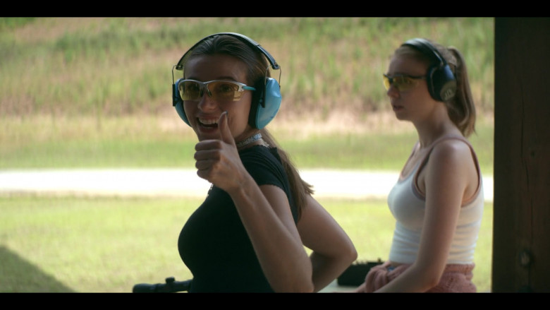 Cabela's Shooting Glasses Anjelica Bette Fellini as Blair in Teenage Bounty Hunters S01E07 (3)