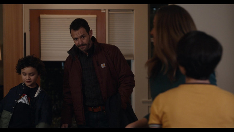 Carhartt Jacket Outfit of Larry Sullivan as Doug Davis in Trinkets S02E07 TV Show (1)