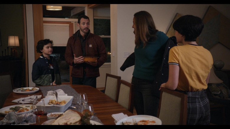 Carhartt Jacket Outfit of Larry Sullivan as Doug Davis in Trinkets S02E07 TV Show (2)