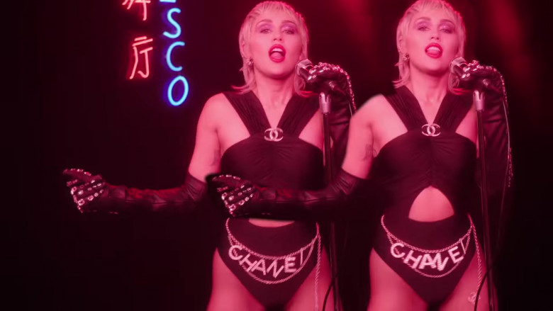 Chanel in Midnight Sky by Miley Cyrus (5)
