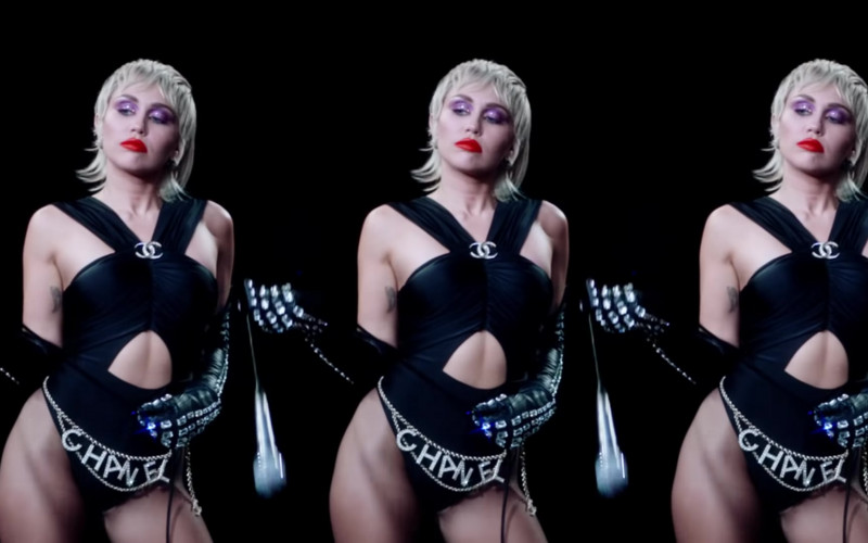 Chanel in Midnight Sky by Miley Cyrus (7)