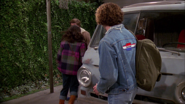 Chevrolet Patch (Denim Jacket of Danny Masterson as Steven Hyde) in That '70s Show S02E06 (2)