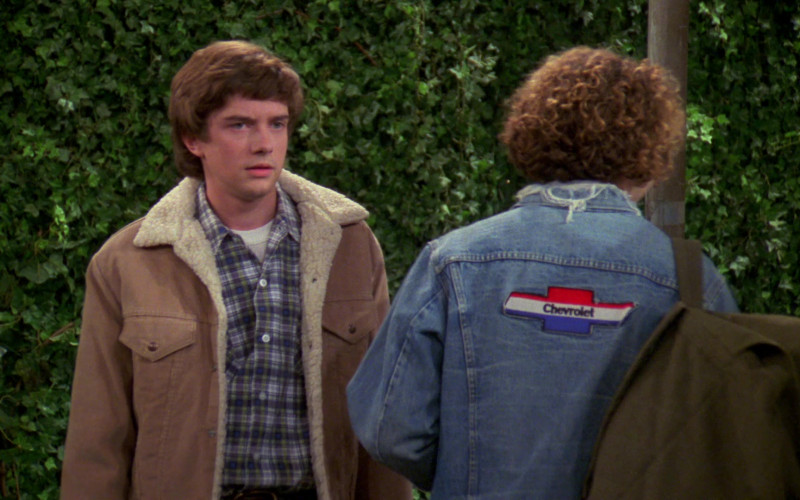 Chevrolet Patch (Denim Jacket of Danny Masterson as Steven Hyde) in That '70s Show S02E06 (3)