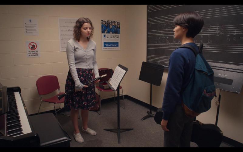 Chloë Levine as Jillian Wears Vans Slip-On Skate Peach Shoes in Trinkets Season 2 TV Show
