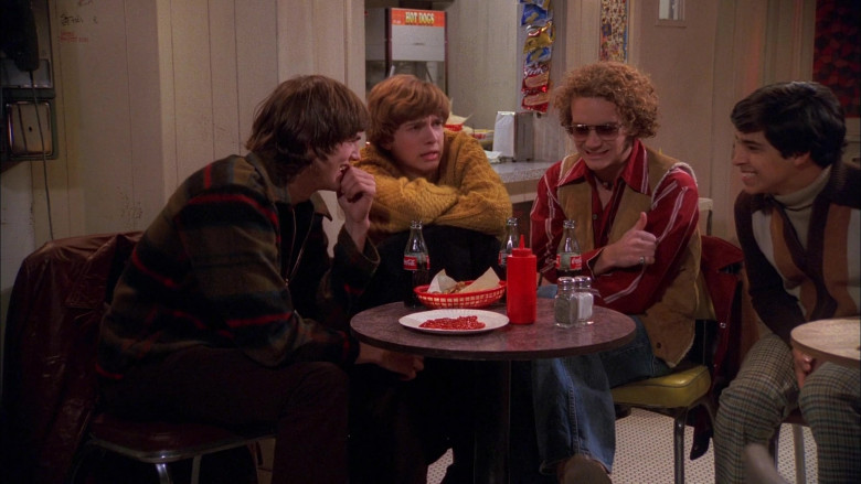 Coca-Cola Drinks in That '70s Show S01E09 (3)