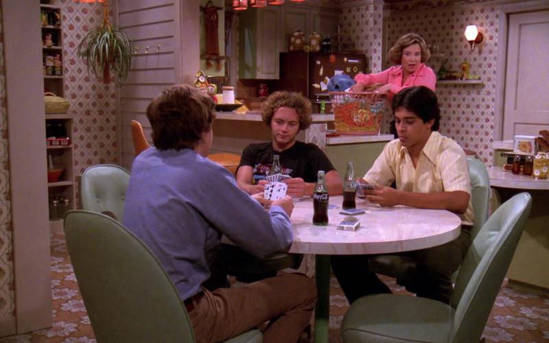 Coca-Cola Soda Bottles in That '70s Show S02E02 (1)