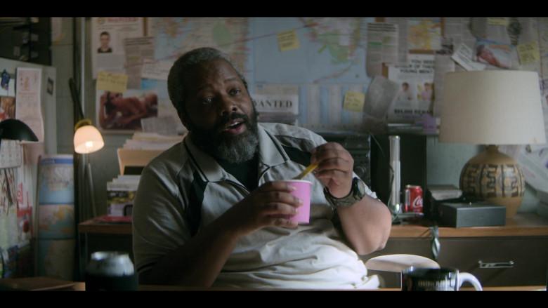 Coca-Cola Soda Drink Can of Kadeem Hardison as Bowser Simmons in Teenage Bounty Hunters S01E01