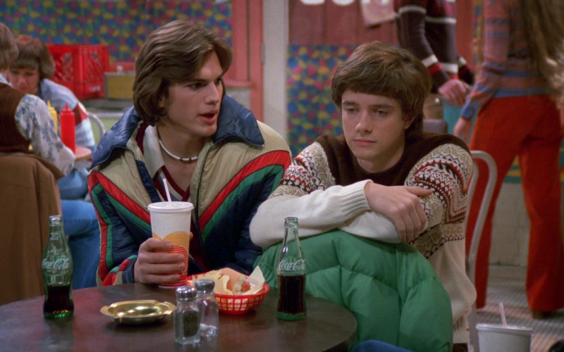 Coca-Cola Soda Drink Enjoyed by Topher Grace & Ashton Kutcher in That '70s Show S02E09