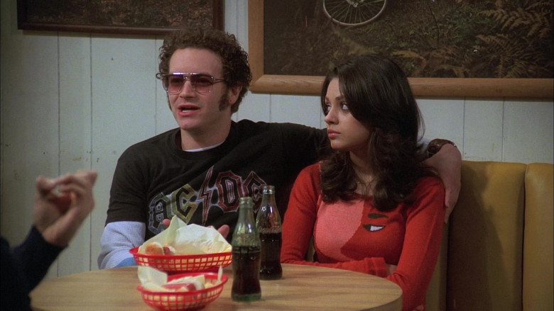 Coca-Cola Soda Drinks Enjoyed by Danny Masterson as Steven Hyde & Mila Kunis as Jackie Burkhart (2)