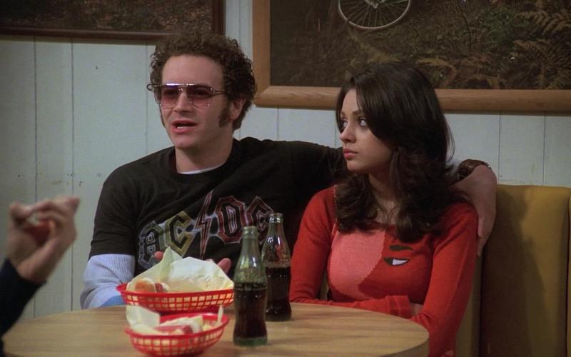Coca-Cola Soda Drinks Enjoyed by Danny Masterson as Steven Hyde & Mila Kunis as Jackie Burkhart (2)