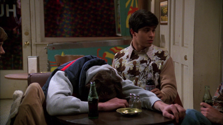 Coca-Cola and Nehi Bottles in That '70s Show S01E17