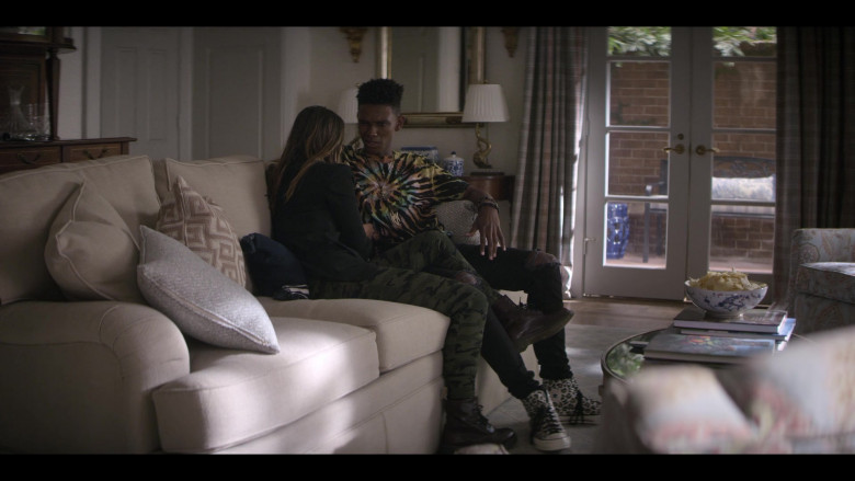 Converse Leopard High-Top Shoes of Myles Evans as Miles in Teenage Bounty Hunters S01E06