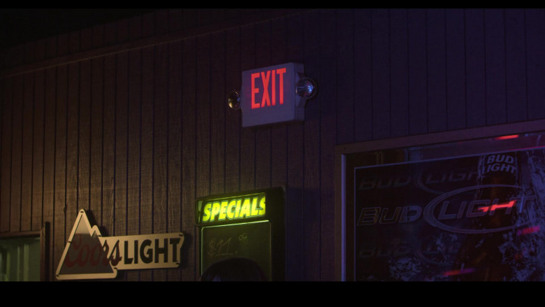 Coors Light and Bud Light Signs in Teenage Bounty Hunters S01E05
