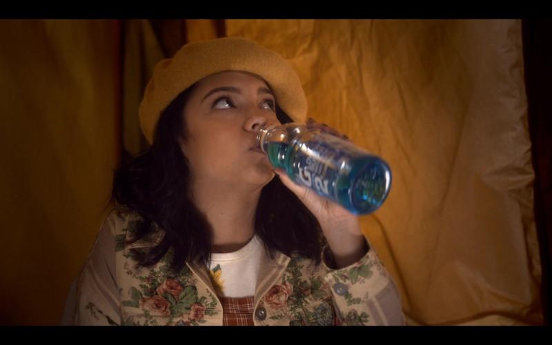 Cree Cicchino as Mim Enjoys Gatorade G2 Thirst Quencher in The Sleepover (2020) Netflix Movie