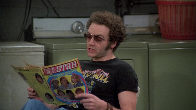 Danny Masterson as Steven Hyde Reading Tiger Beat Magazine in That '70s Show Season 5 Episode 18