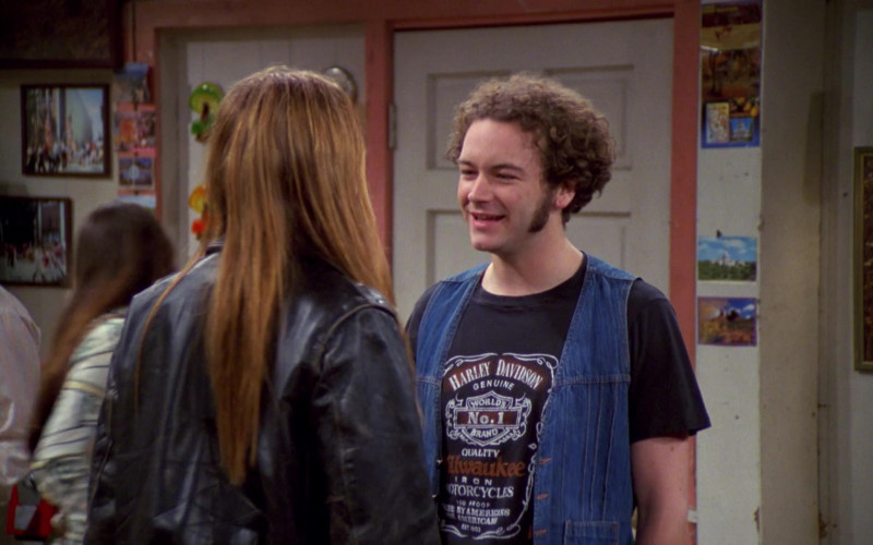 Danny Masterson as Steven Wears Harley-Davidson T-Shirt and Blue Vest Outfit in That '70s Show S04E01