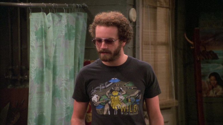Danny Masterson as Steven Wears Owaneco Motorcycle Service T-Shirt in That '70s Show (2)
