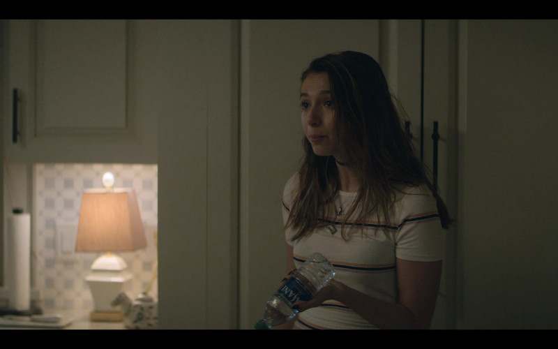 Dasani Water Bottle of Anjelica Bette Fellini as Blair in Teenage Bounty Hunters S01E06