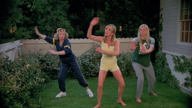 Debra Jo Rupp as Kitty Forman Wears Nike Shoes and Tracksuit Outfit in That '70s Show (1)