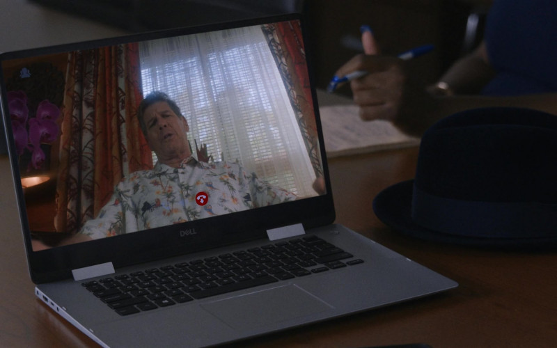 Dell Laptop in P-Valley S01E04 (1)