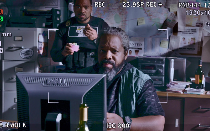 Dell Monitor Used by Kadeem Hardison as Bowser in Teenage Bounty Hunters S01E09