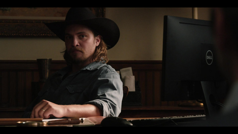 Dell Monitor of Luke Grimes as Kayce in Yellowstone S03E08