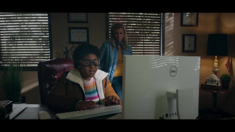 Dell White AIO PC Used by Anjelika Washington & Amy Smart (3)