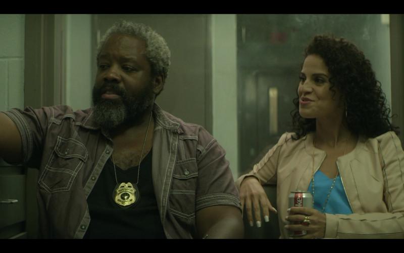 Diet Coke Drink of Shirley Rumierk as Yolanda in Teenage Bounty Hunters S01E06