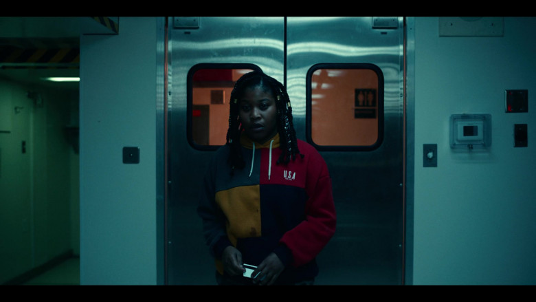 Dominique Fishback as Robin Wears Urban Outfitters UO Colour-Blocked USA Est. 1992 Hoodie Outfit in Project Power (3)