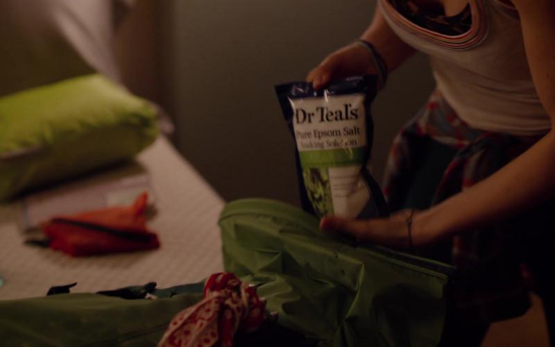 Dr Teal's Pure Epsom Salt in Room 104 S04E06 (1)