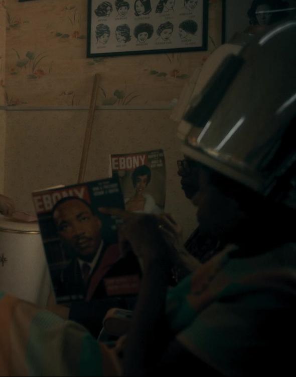 Ebony Magazines in The Umbrella Academy S02E06 (1)