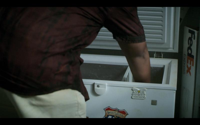 FedEx Express in Teenage Bounty Hunters S01E01