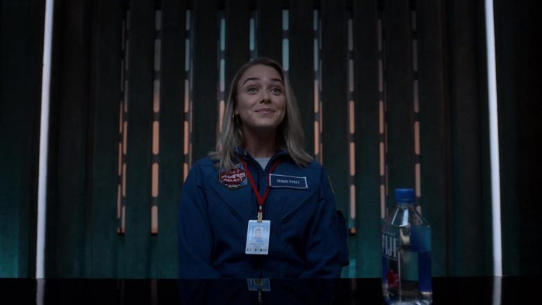 Fiji Water of Mariana Paola Vicente as Venus Hyatt in Lucifer S05E02 (1)