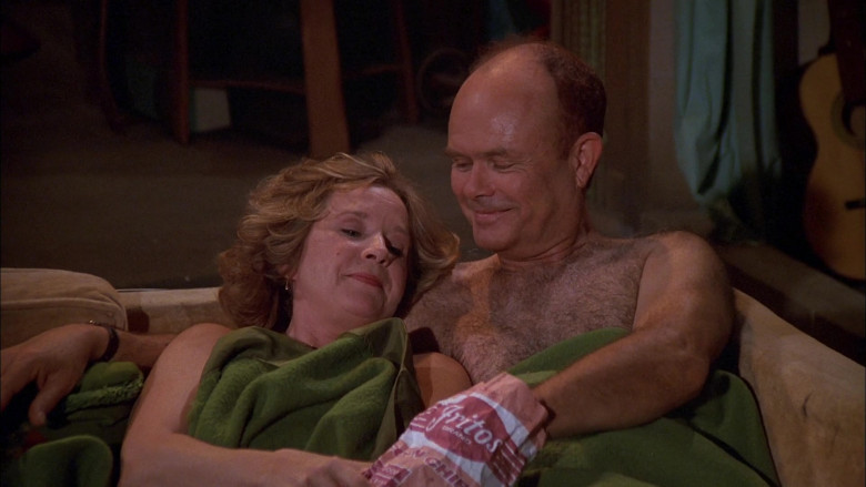 Fritos Corn Chips Enjoyed by Debra Jo Rupp as Kitty Forman & Kurtwood Smith as Red Forman in That '70s Show S02E10 (2)