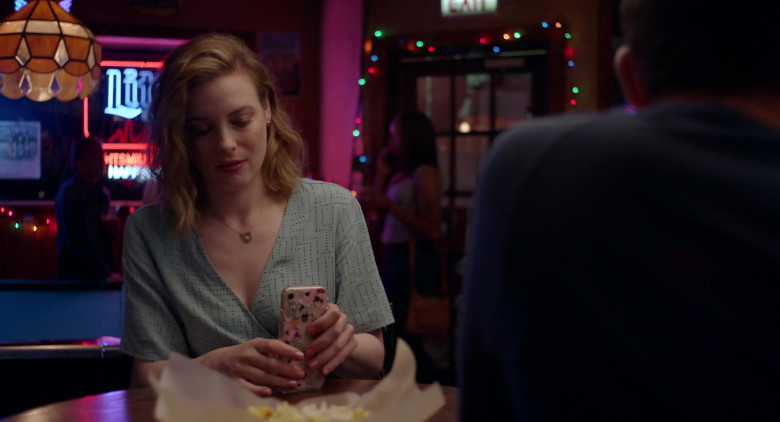 Gillian Jacobs Using Apple iPhone Smartphone in 'I Used to Go Here' Film (1)