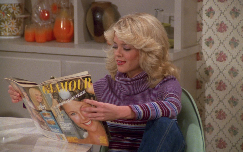 Glamour Magazine of Lisa Robin Kelly as Laurie Forman in That '70s Show S02E09