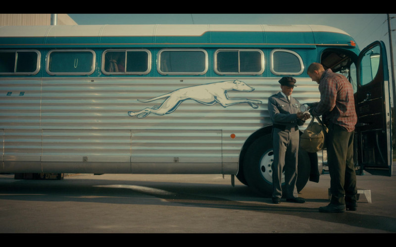 Greyhound Bus in The Umbrella Academy S02E05 (1)