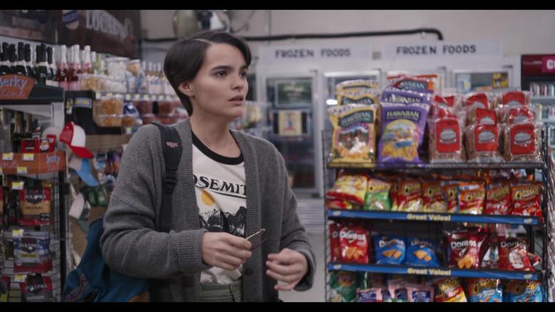 Hawaiian Brand Snacks, Cheetos and Doritos in Trinkets S02E09