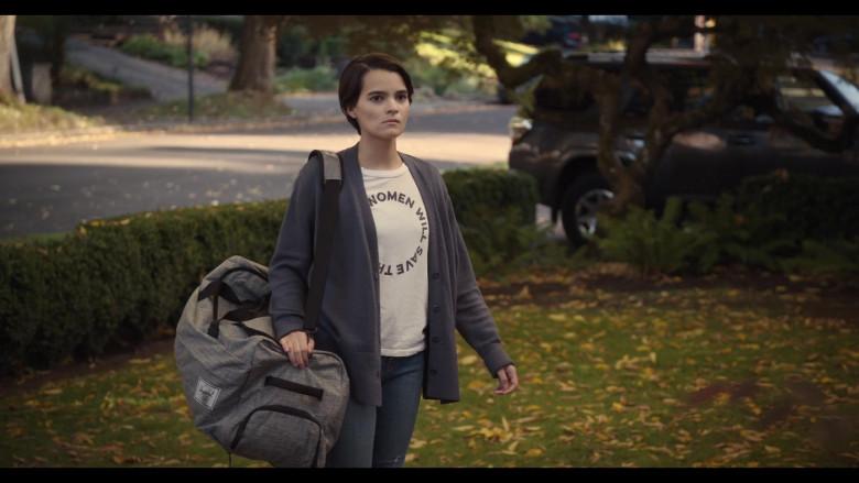 Herschel Bag Carried by Actress Brianna Hildebrand as Elodie Davis in Trinkets Season 2 Netflix Original Series (2)