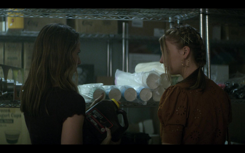 Hershey's Syrup Held by Anjelica Bette Fellini as Blair in Teenage Bounty Hunters S01E01 (1)