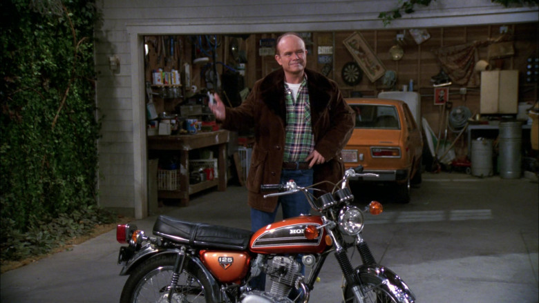 Honda Motorcycle of Kurtwood Smith as Red Forman in That '70s Show S02E17 (3)