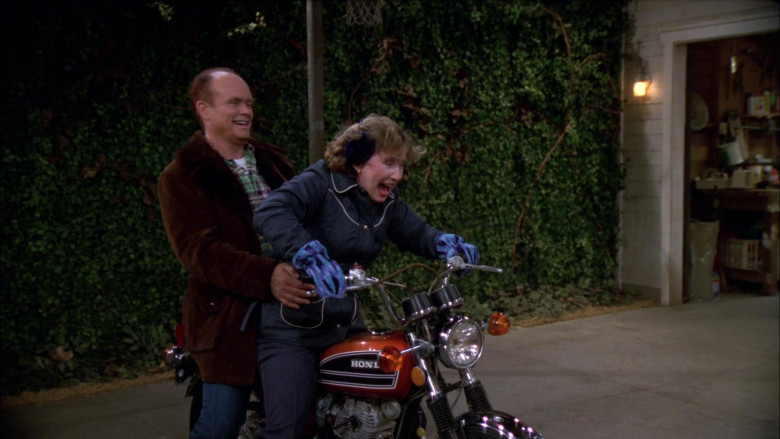 Honda Motorcycle of Kurtwood Smith as Red Forman in That '70s Show S02E17 (7)