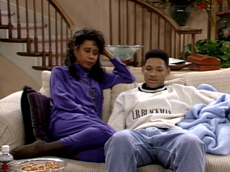 I.B. Blackman White Sweatshirt and Blue Jeans Outfit of Will Smith (2)