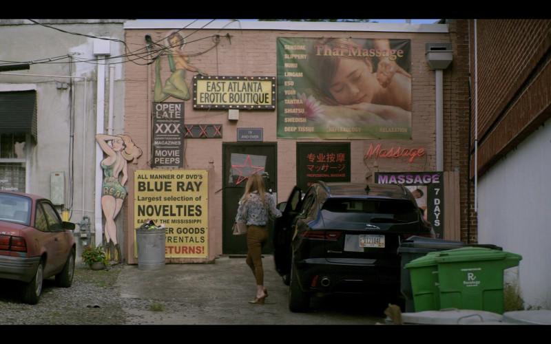 Jaguar E-Pace Black Car of Virginia Williams as Debbie in Teenage Bounty Hunters S01E06 (1)